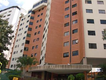 Lujoso Apartamento, Urb. El Bosque, Valencia