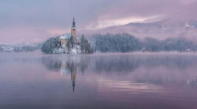 lago bled en invierno