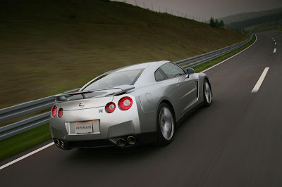 2010_gtr_nissan_turing_back_view