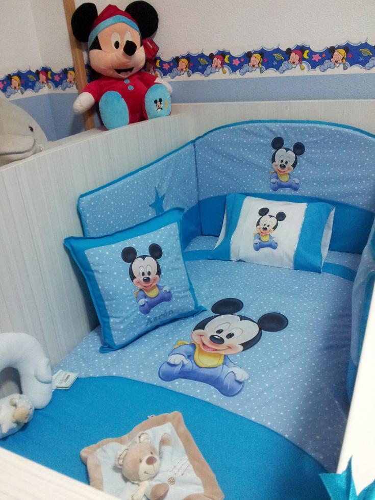 Habitaciones bebe habitacion baby mickey inmaculada for Pegatinas de pared infantiles