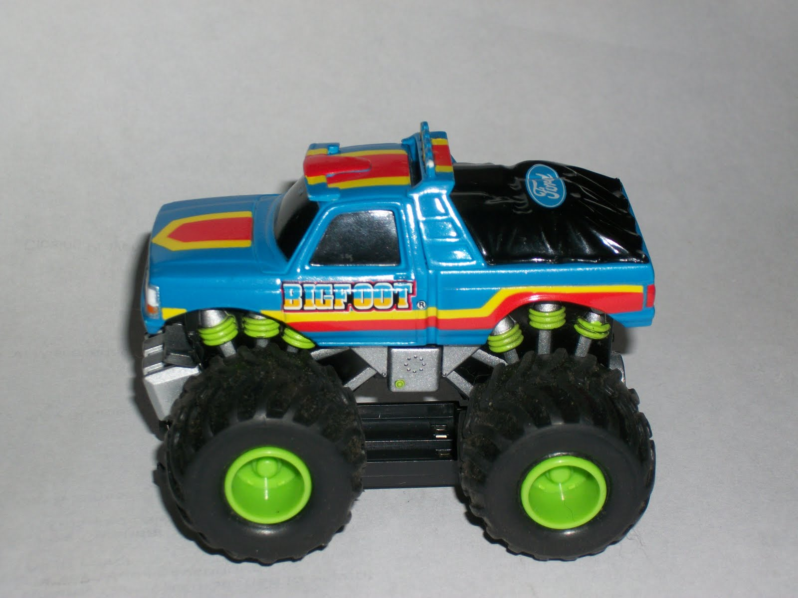 pin monster truck toys bigfoot on pinterest. Black Bedroom Furniture Sets. Home Design Ideas