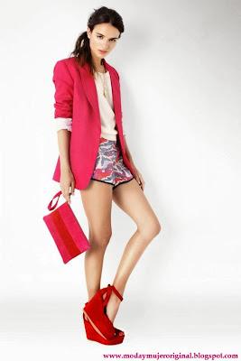 el color rojo con unas plataformas muy elegante
