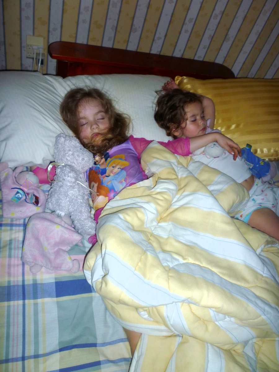 sleeping Naked young girls