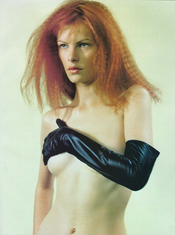 Emma Balfour in Leather Gloves
