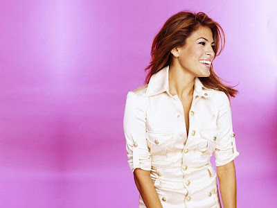 American Actress Eva Mendes Smilling Images
