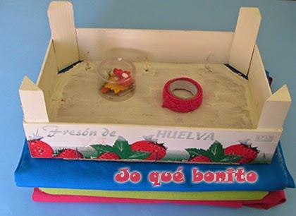 Cajas de fresas decoradas con telas. ¡Nos encanta el reciclaje!