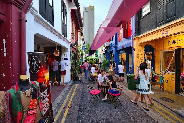 Mặc dù năm 2015 Singapore được xếp là thành phố đắt đỏ nhất nhưng nó vẫn quyến rũ được người nước ngoài tới