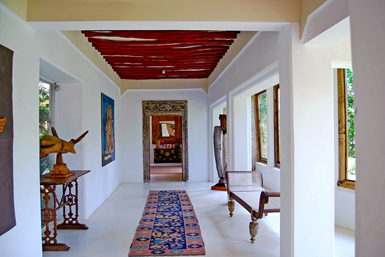 Safari Fusion blog | Colour pop | With artwork, hall runner and painted timber rafters at The Majlis Lamu, Kenya