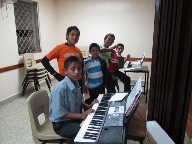 piano students in Seamay