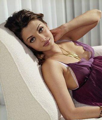 http://4.bp.blogspot.com/-B4aueIyt_Ms/TVULwTpFZVI/AAAAAAAAEsI/HX0TfKZHAeQ/s1600/aishwarya+rai+awesome+breast.jpg