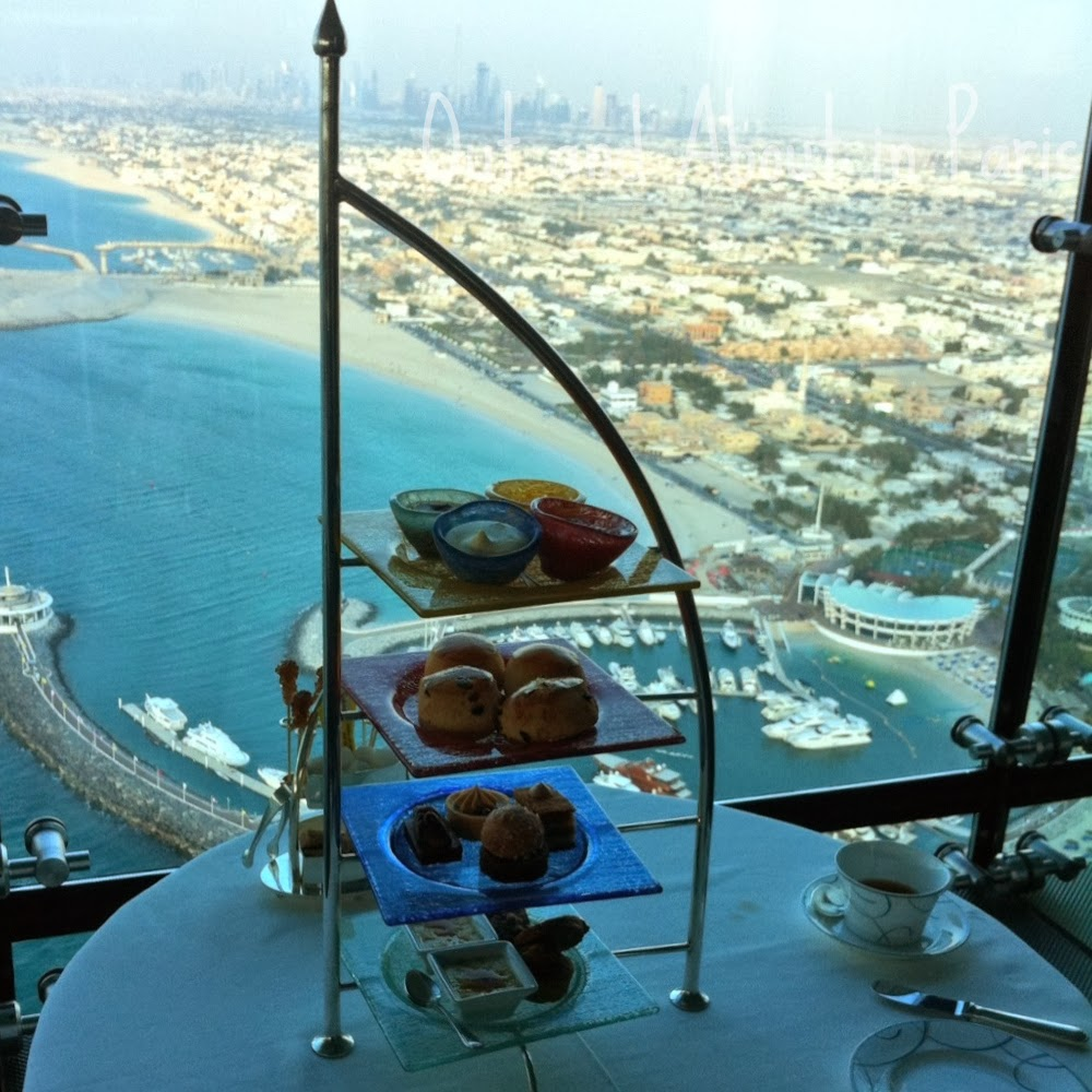 Afternoon tea at the world 39 s only 7 star hotel the burj for 6 star hotel dubai
