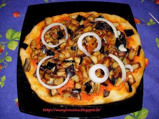 pizza con melanzane a funghetti senza mozzarella