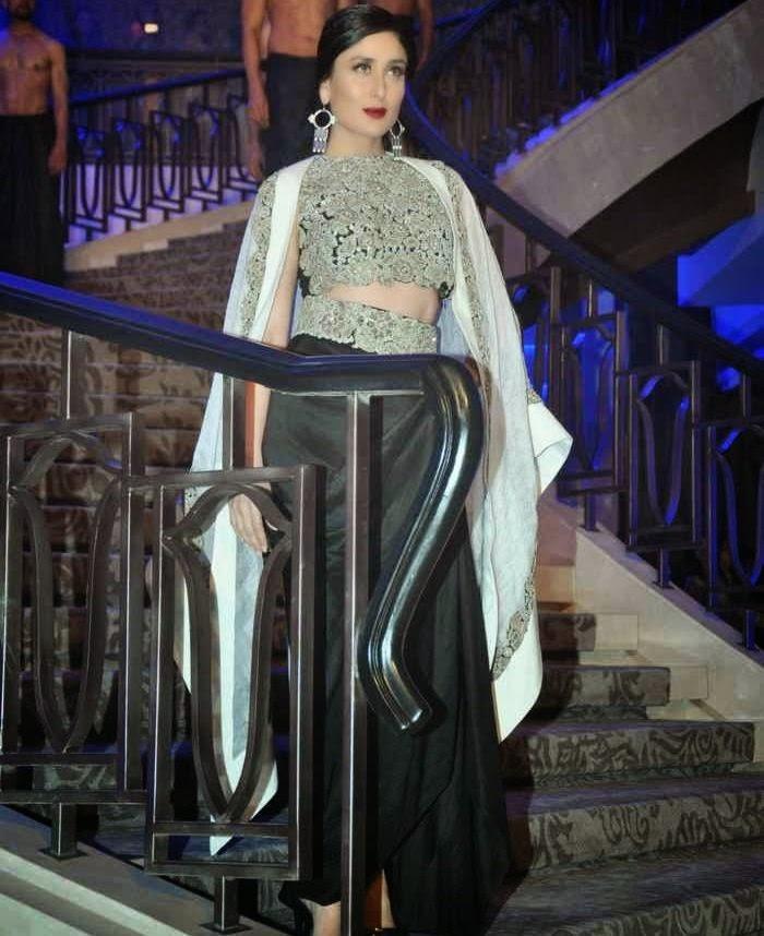 Kareena Kapoor latest photos at anamika khanna show lfw 2015