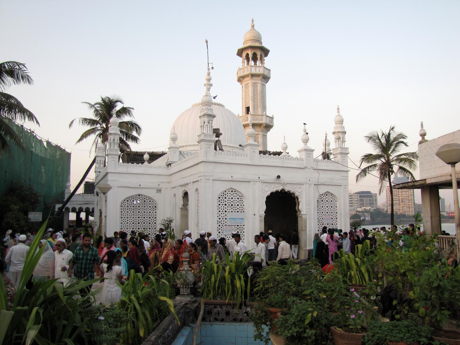 Haji Ali Dargah facts