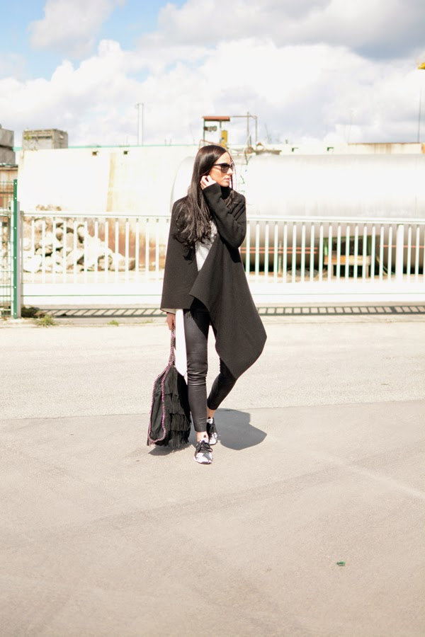 LamourDeJuliette_Black_And_White_Sneaker_Outfit_adidas_SML_001