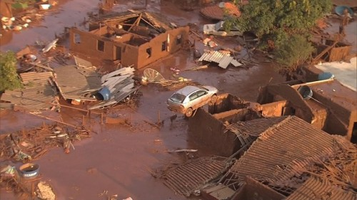 mariana sem água,lama,desastre