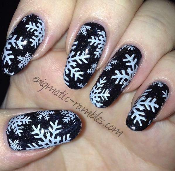 barry-m-black-multi-glitter-matt-white-moyou-london-festive-collection-03-snowflake-snowflakes