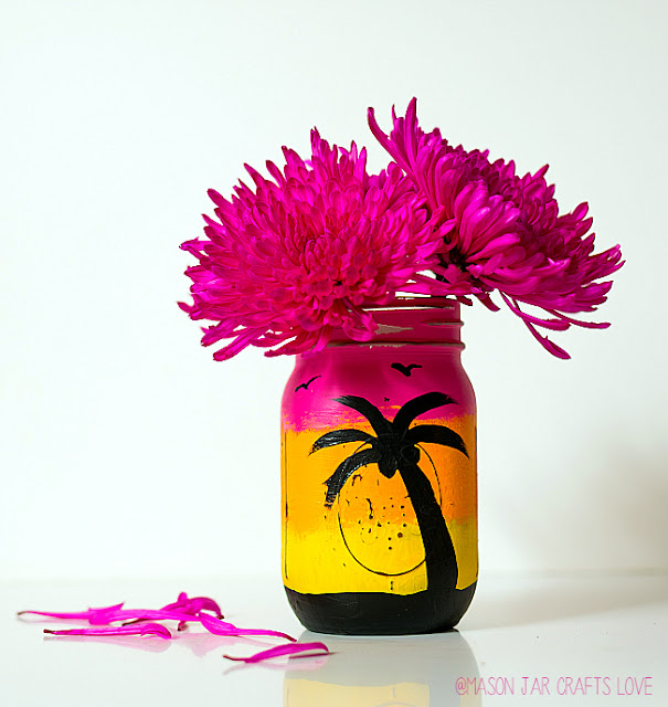 http://masonjarcraftslove.com/tropical-sunset-mason-jar/