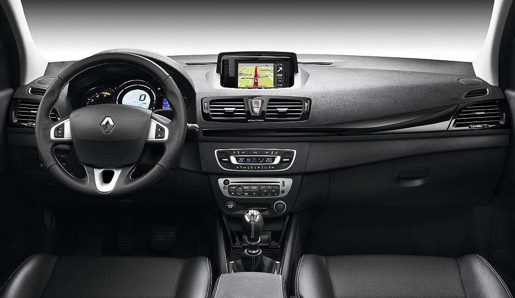 Cockpit Automovel Conteudos Auto Ensaio Gama Renault Megane My