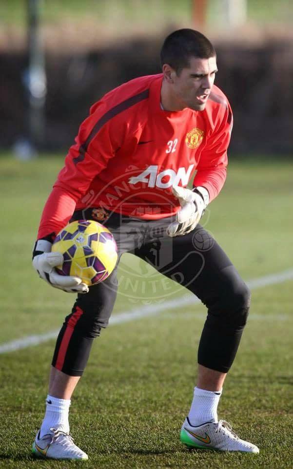 Sukan Gambar Victor Valdes Memulakan Latihan Bersama Team Man United