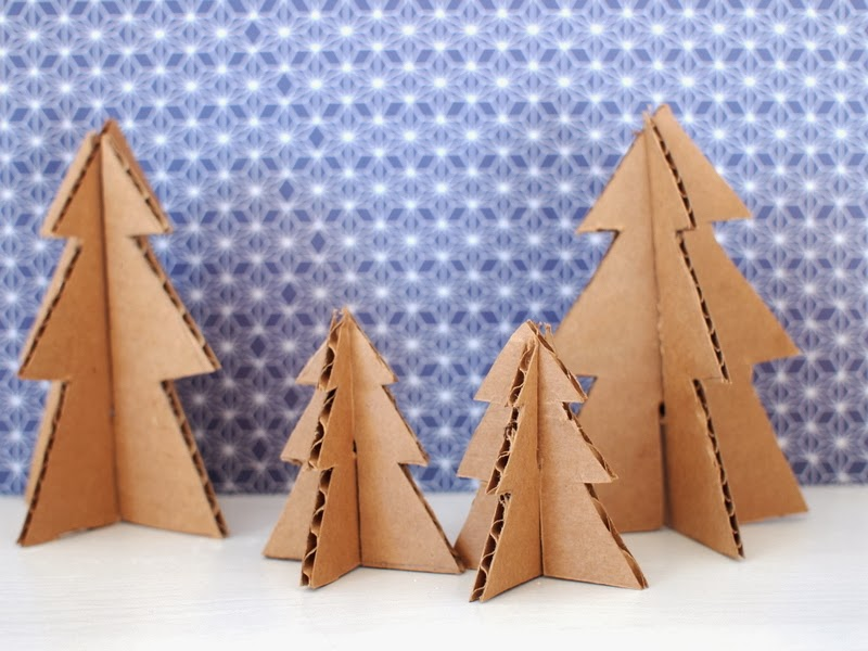Make Mini Christmas Trees From Pipe Cleaners And Cardboard Pink