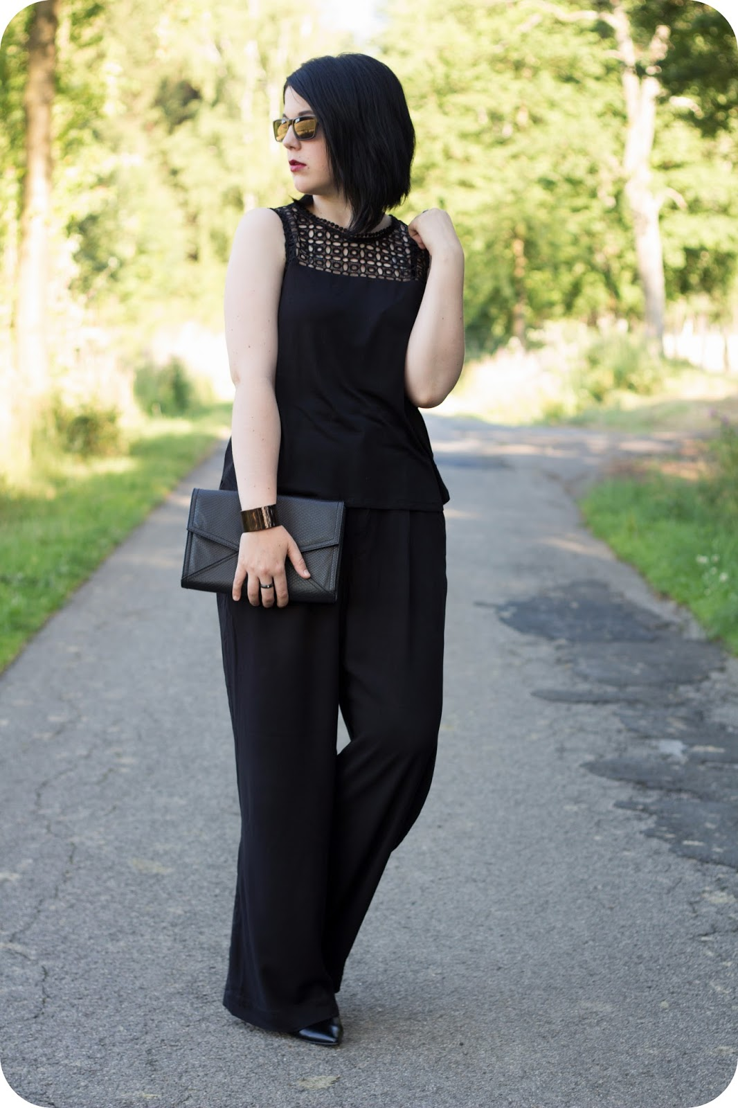 Heart and Soul for Fashion, Fashionblog, Modeblog, Stylediary, Mode, Fashion, Style, Styling, OOTD, Outfit, Inspiration, What I wear, WIW, Daily Look, Palazzo Pants, Lace top, All black look