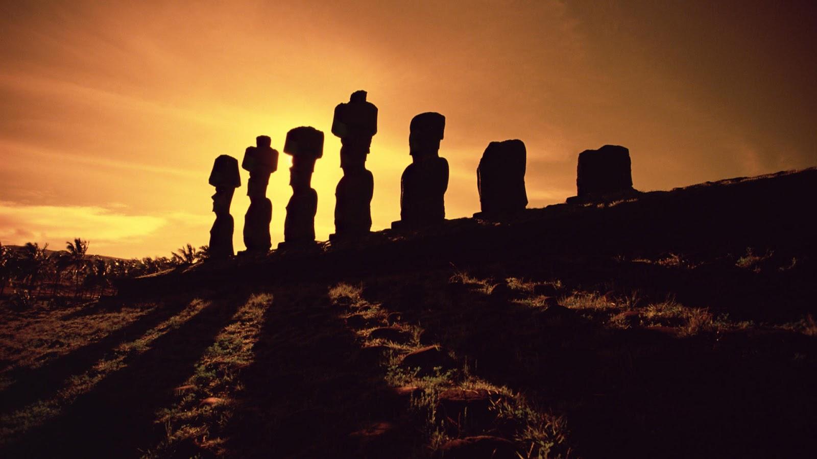 http://4.bp.blogspot.com/-B78I-Yb8hPc/UA0OLZEY0HI/AAAAAAAAAEY/hbDbNWTR-rY/s1600/Moai-Stone-Statues-at-Sunset-Easter-Island.jpg