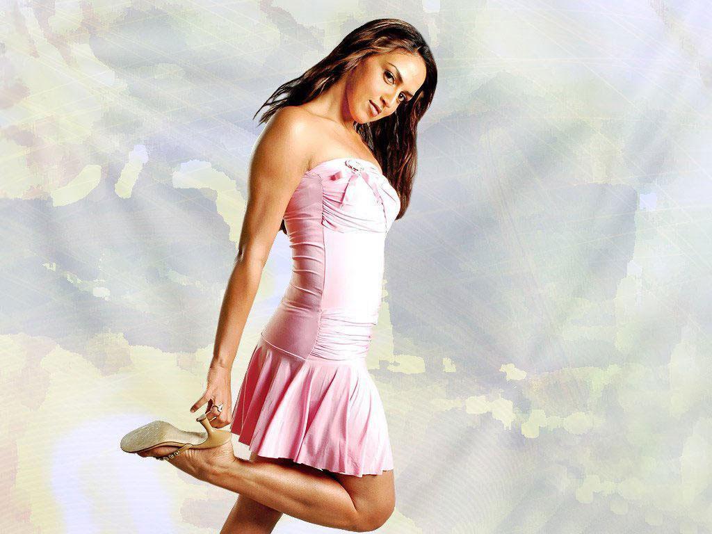 http://4.bp.blogspot.com/-B7BQF6n07Ek/UAl1h_78ZHI/AAAAAAAAARY/nAQJW8kFUzg/s1600/Esha-Deol-Wallpapers.jpg