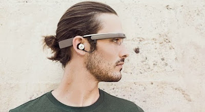 Google glasses second with New Headphone update