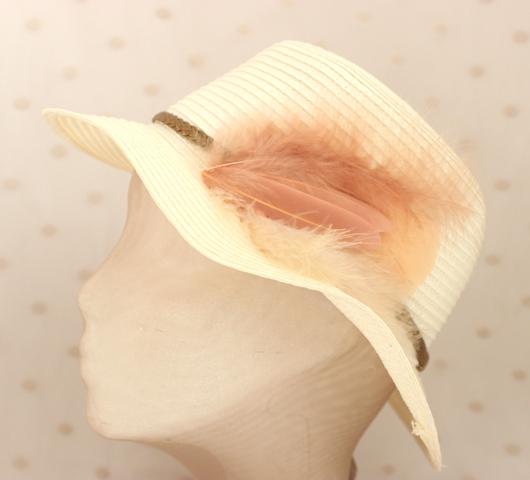 Colección La Cesta - Sombrero Nude Pluma