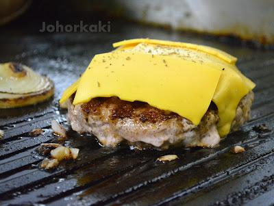 Johor-Bahru-City-Square-Mall-Pizza-Box-Charcoal-Burger