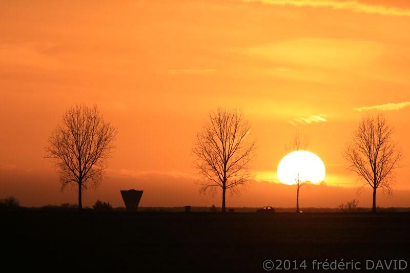silhouettes route doré coucher soleil Seine-et-Marne