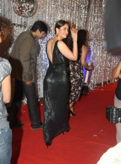 Kareena Kapoor in Black Gown at Big Entertainment Awards 1 - Kareena Kapoor in Black Gown at Big Entertainment Awards - Pics