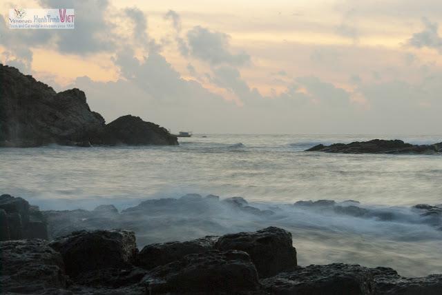 Bình minh trên Gành Đá Đĩa, Phú Yên