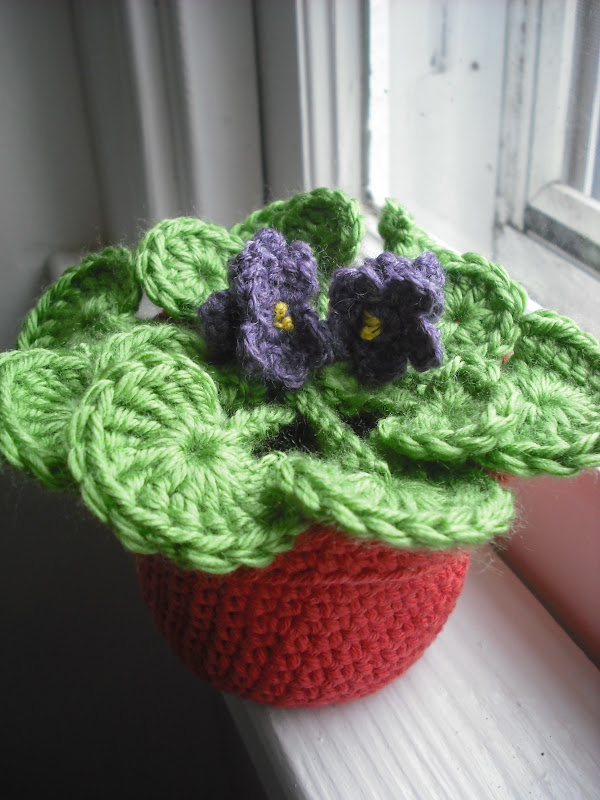 Crochet Violet Flower Pattern : Purple Chair Crochet: The Flower Pot Series No. 03 ...