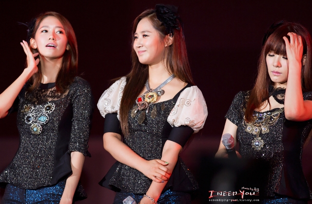 [PICTURE] Yoona, Yuri, and Tiffany at Yeosu EXPO 2012