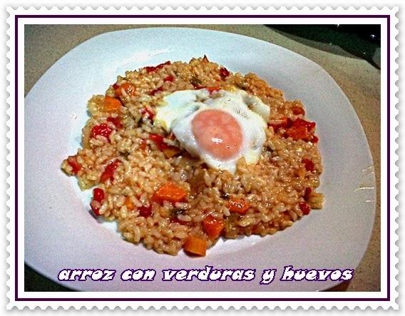 http://lasrecetasdenessa.blogspot.com.es/2013/08/arroz-con-verduras-y-huevos.html