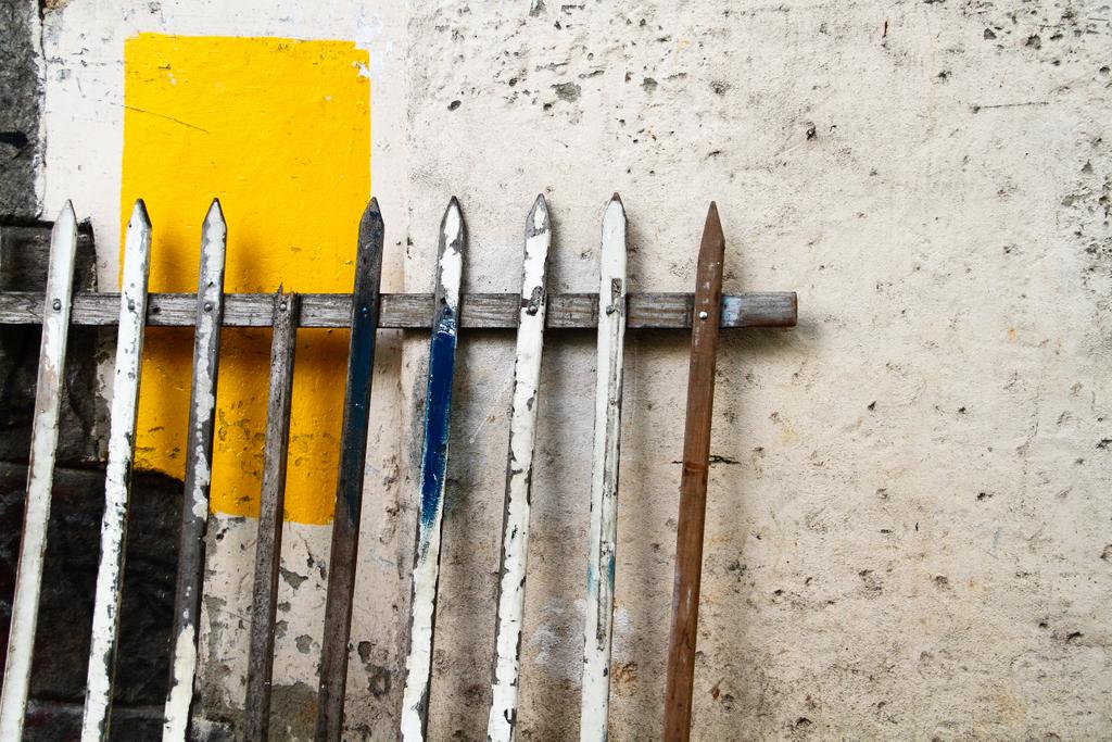 Detalhe e cor: amarelo, by Guillermo Aldaya / PhotoConversa