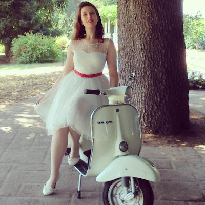 vintage bride, sposa anni 50, nadia manzato, photo shoot, 50s bride, vespa