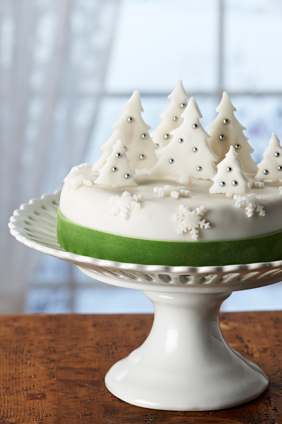 COUTURE CRAFT: CHRISTMAS TREE FOREST CAKE DECORATION