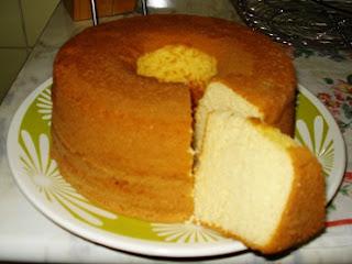 Pão de ló simples pronto para consumo - Foto: Tudo Gostoso
