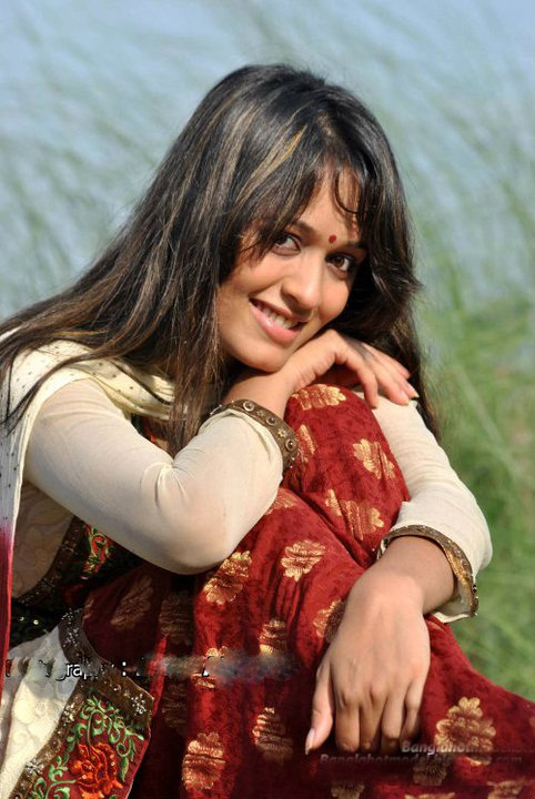 Bangladeshi Actress Model Singer Picture: Ahona
