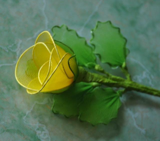 Cặp đôi hoàn hảo 2011 lam%2Bhoa%2Bhong%2Bvai%2Bvoan%2B12 Hướng dẫn làm hoa hồng bằng vải voan cực đẹp
