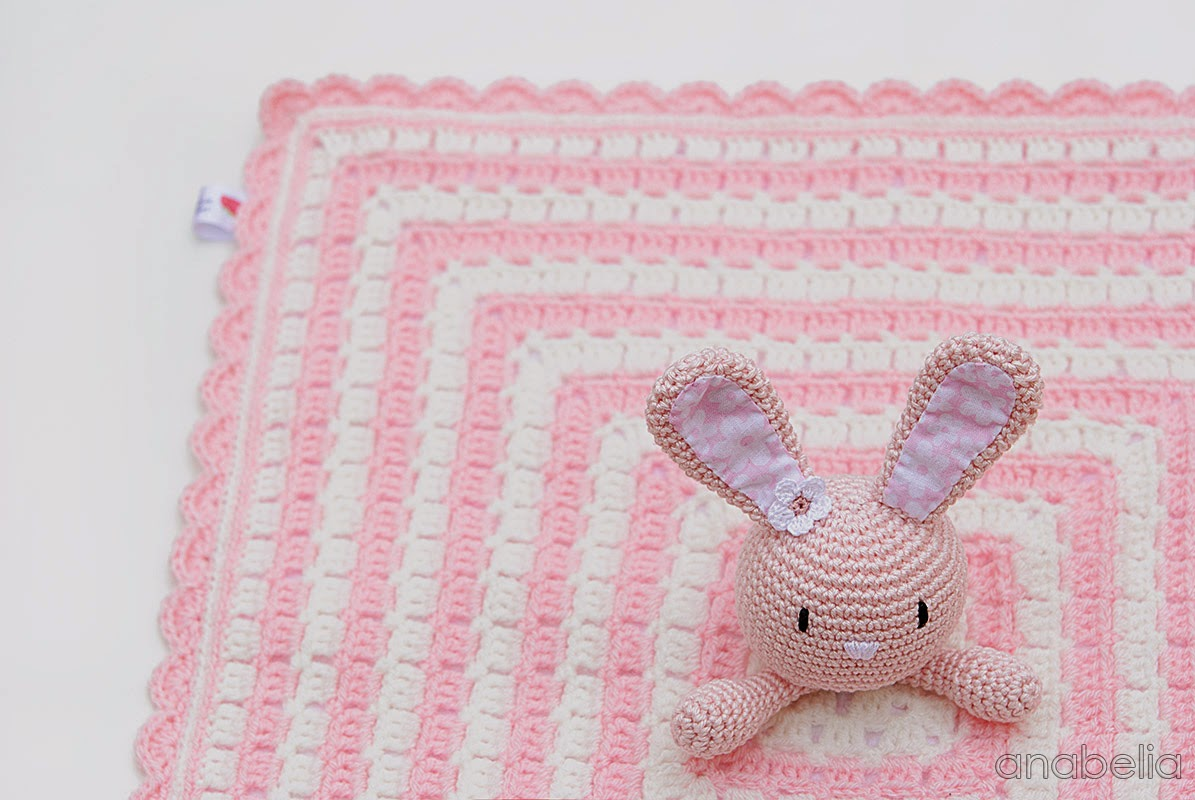 Bunny security crochet blanket by Anabelia