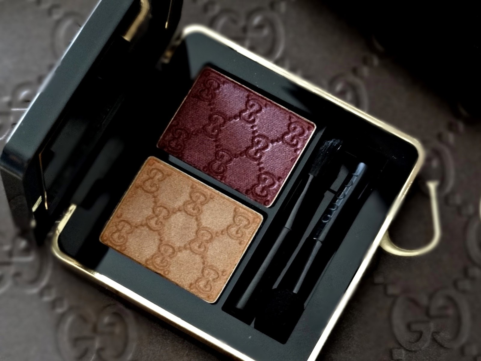 Gucci Beauty Magnetic Color Eye Shadow Duo in Azalea Review, Photos & Swatches