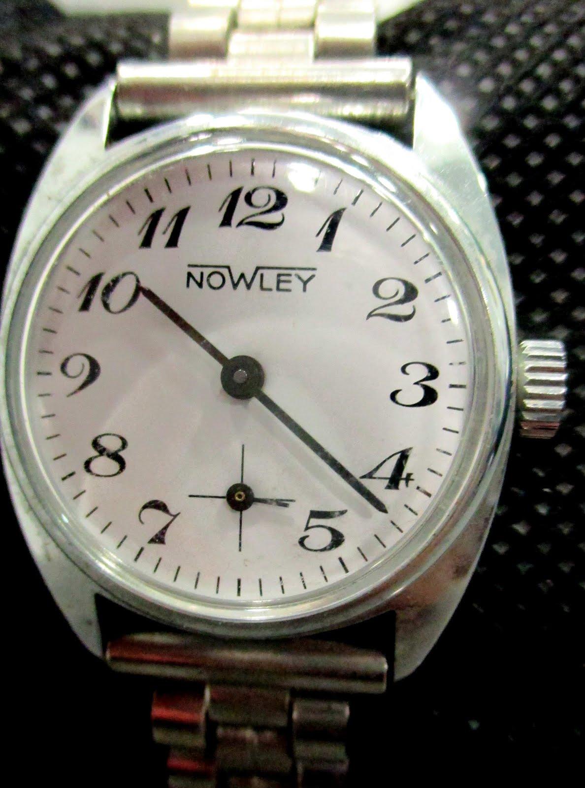 Reloj Nowley señora de cuerda.