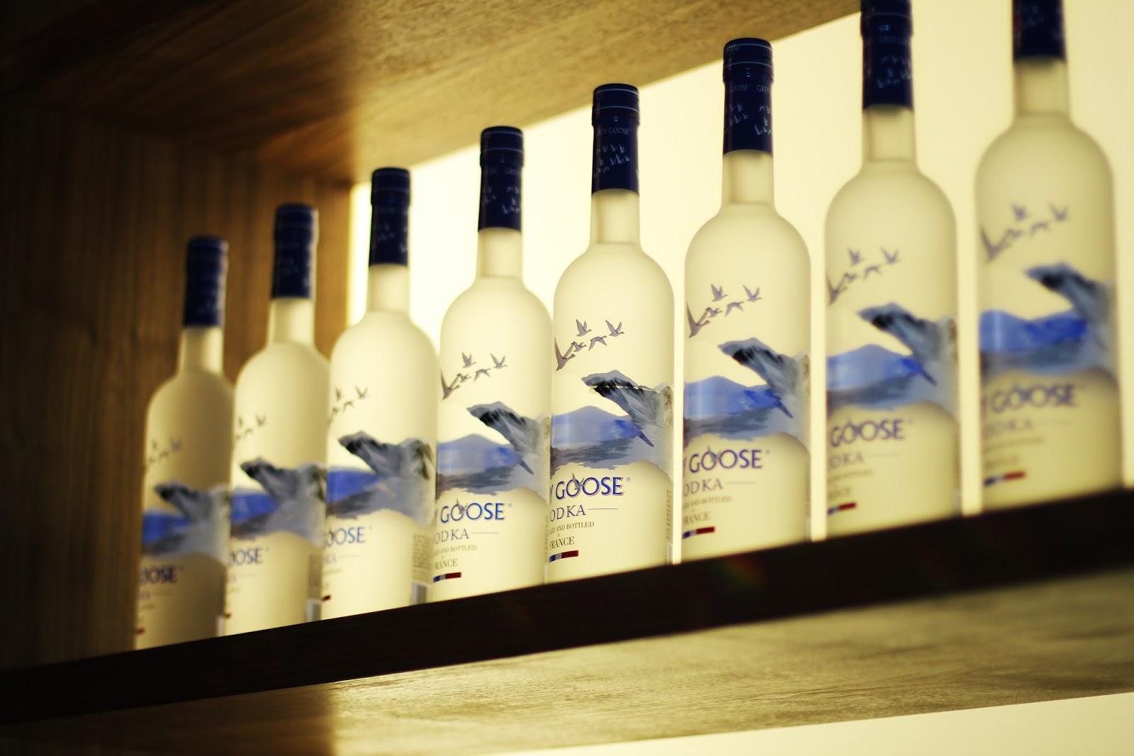 wodkaflaschen von grey goose event in berlin