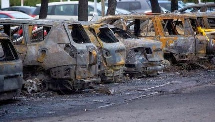 100 cars destroyed in fire at Muar