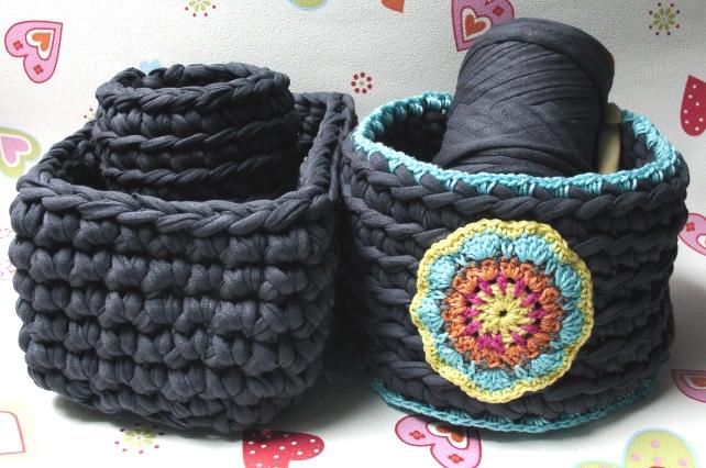 elealinda design diy recycling textilgarn aus t shirts selber machen. Black Bedroom Furniture Sets. Home Design Ideas