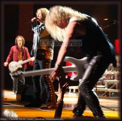 Viv, Joe, and Sav - Def Leppard - 2009